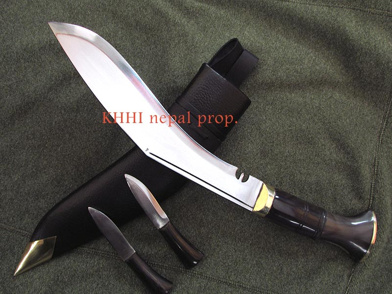 full polished finishing of the Service Kukri