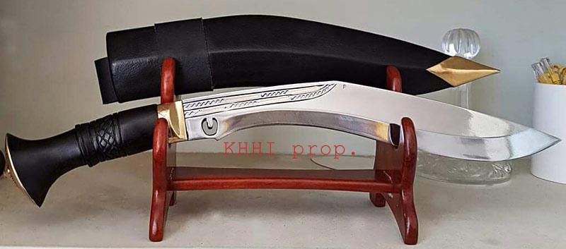 Chitlange superior kukri on stand