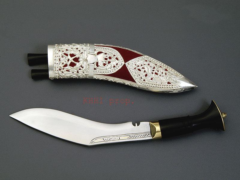 Kothimora kukri (pure silver sheath)