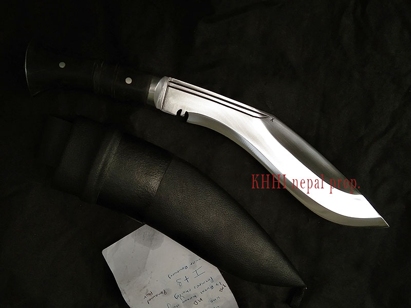 Power kukri with its expressive semi fuller/chirra