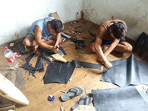 Dab/ scabbard makers at KHHI